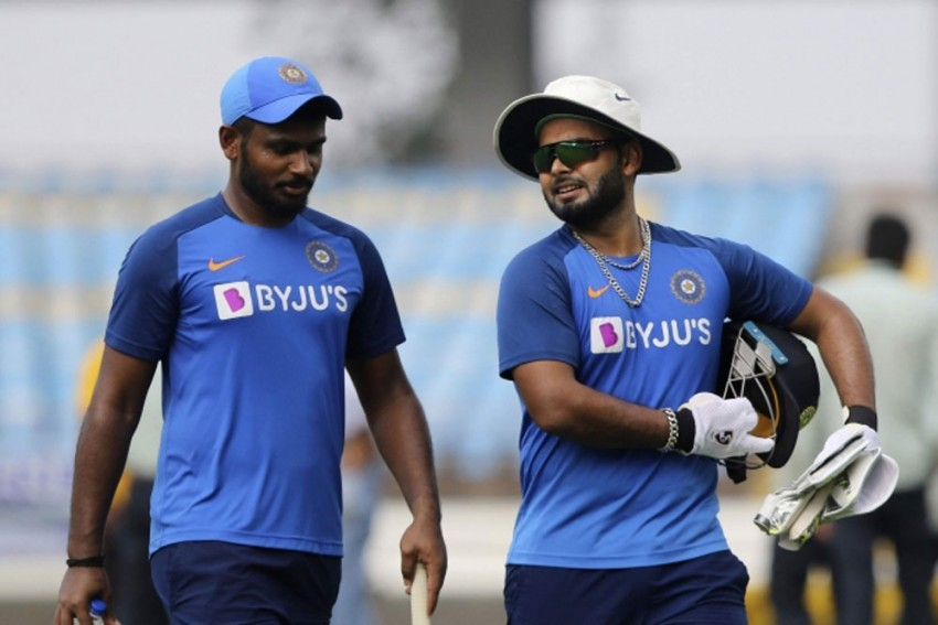 IND Vs WI, 2nd T20I: Fans Want Sanju Samson In The Playing XI -- Is Virat Kohli Willing To Let Rishabh Pant Go?