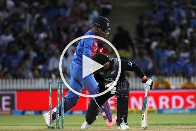 Super Fast MS Dhoni Stumps Tim Seifert In Fraction Of A Second – MUST WATCH