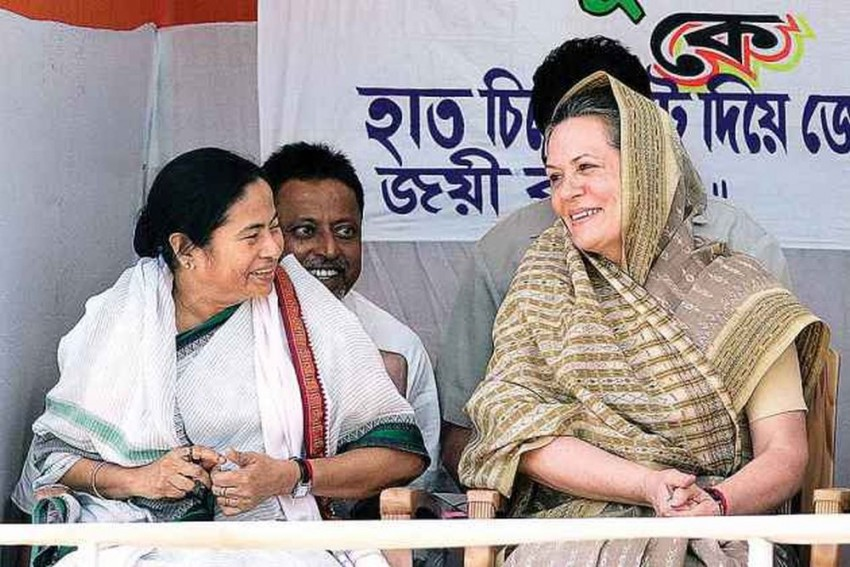 We Will Remember: Upset Mamata Tells Sonia After Cong Leader Attacks TMC Over Chit Fund Scam