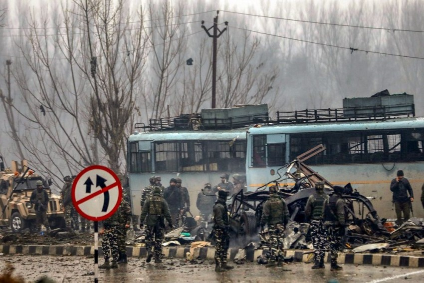 Pulwama Terror Attack: Blast On CRPF Convoy Was Heard 10 Km Away, Say Locals