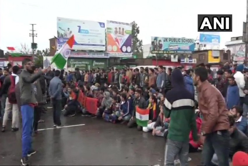 Nation Pays Tribute To CRPF Bravehearts Amid Protests Against Pakistan