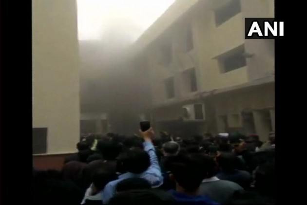Fire Breaks Out At Delhi High Court