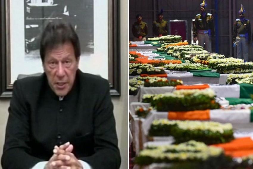 Will Retaliate In Case India Attacks, Warns Pakistan PM Imran Khan; Offers to Help In Pulwama Probe