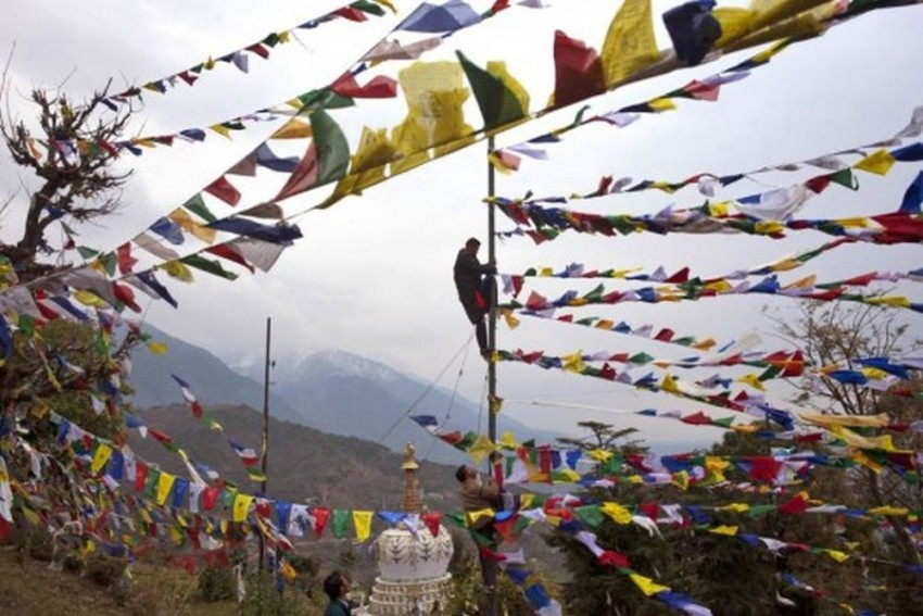 China Bars Foreign Travellers From Tibet For Sensitive Anniversaries