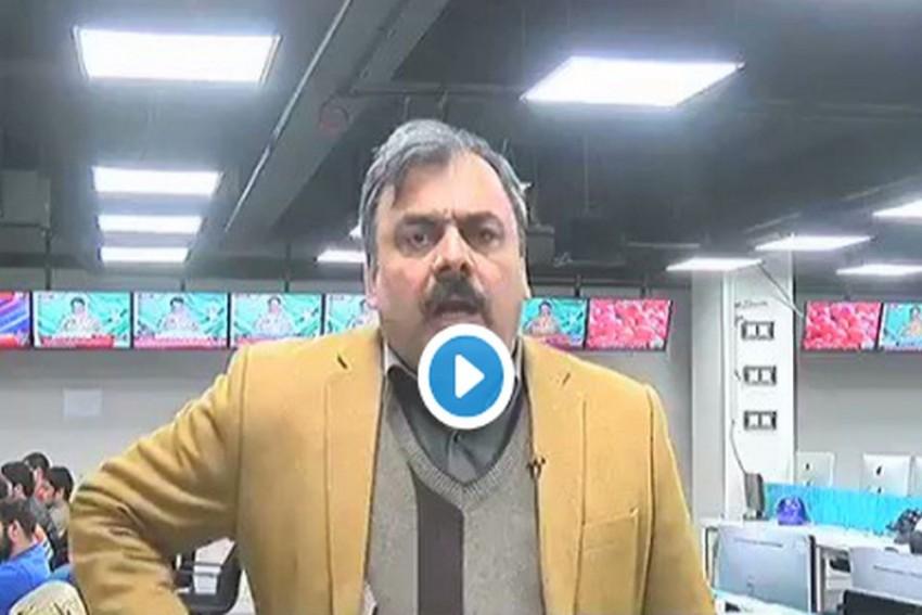 <em>'Tamatar Ka Jawab Atom Bomb Se'</em>: Pakistani Journo's Video Goes Viral, Evokes Mirth On Twitter