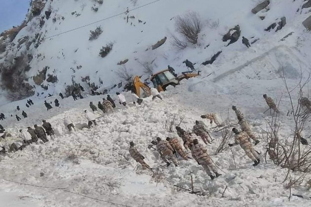 Week After Avalanche Hit Himachal Pradesh, Five Missing Jawans Remain Untraced