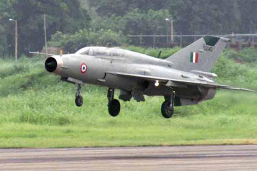 Pakistan Claims It Has Captured 2 Indian Pilots, Tweets Video