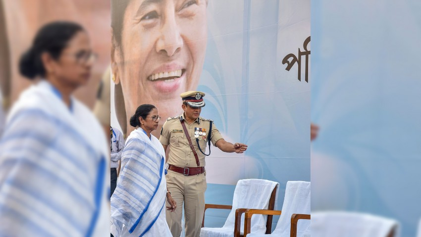 Kolkata Police Chief Can't Be Arrested, But Should Cooperate With CBI, Says SC
