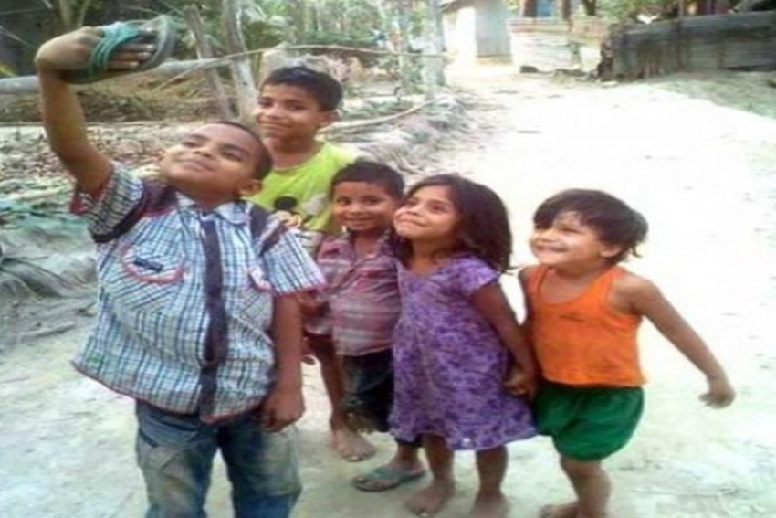 With This Viral Picture, Bollywood Stars Have Become Fans Of These Kids