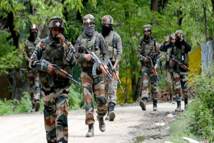 Pakistan Violates Ceasefire In Poonch, Targets Army Camp With Rocket Launchers