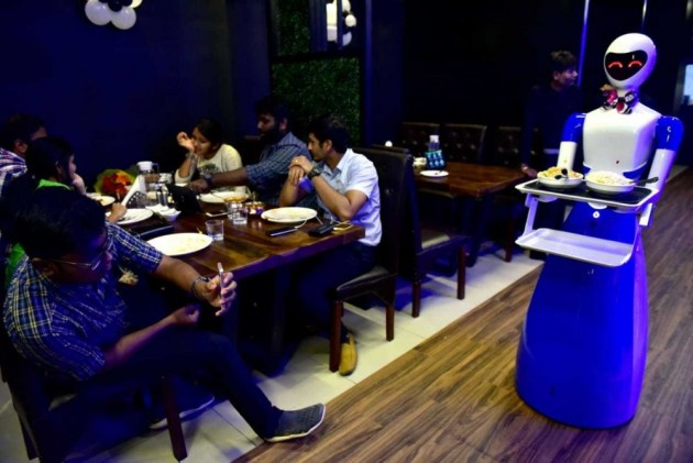 In This Chennai Restaurant Robot Waiters Welcome Customers, Speak To Them In Tamil And English