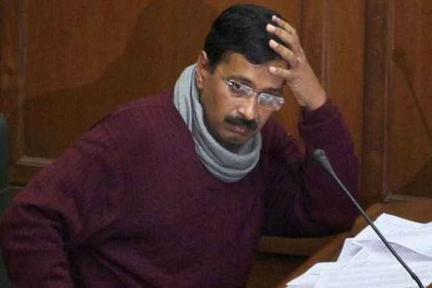 Mob Attacks Arvind Kejriwal's Car In Delhi's Narela