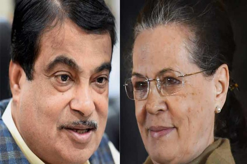 Sonia Gandhi Leads Congress MPs To Laud Nitin Gadkari's Performance As Transport Minister