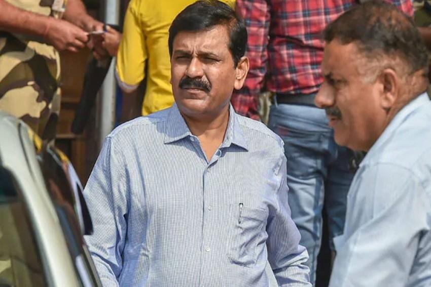 Kolkata Police Raid Firm Allegedly Linked To Ex-CBI Interim Director M Nageshwar Rao's Wife
