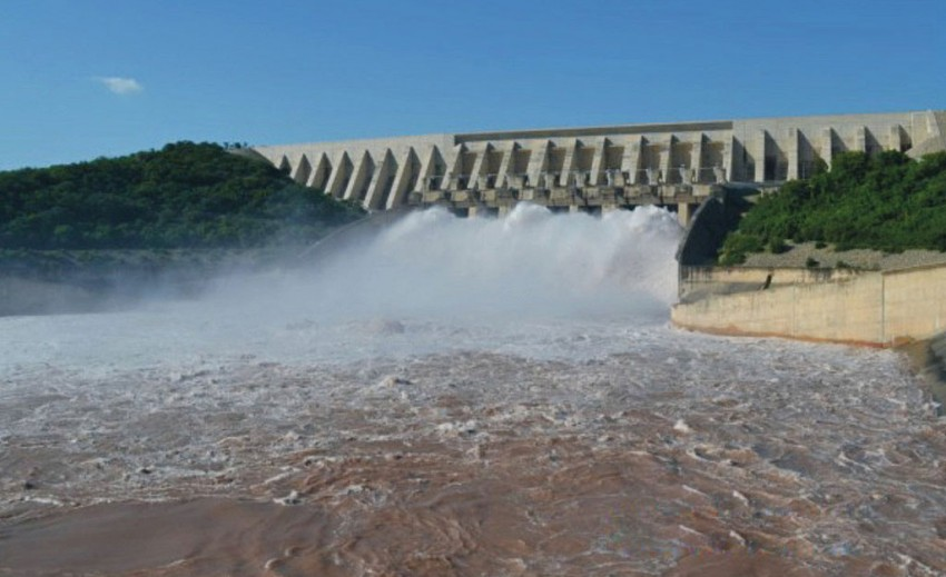 Pakistanis Collect Rs 10 Bn Through Crowdfunding For Dams Project; Imran Khan Says 'Thank You'