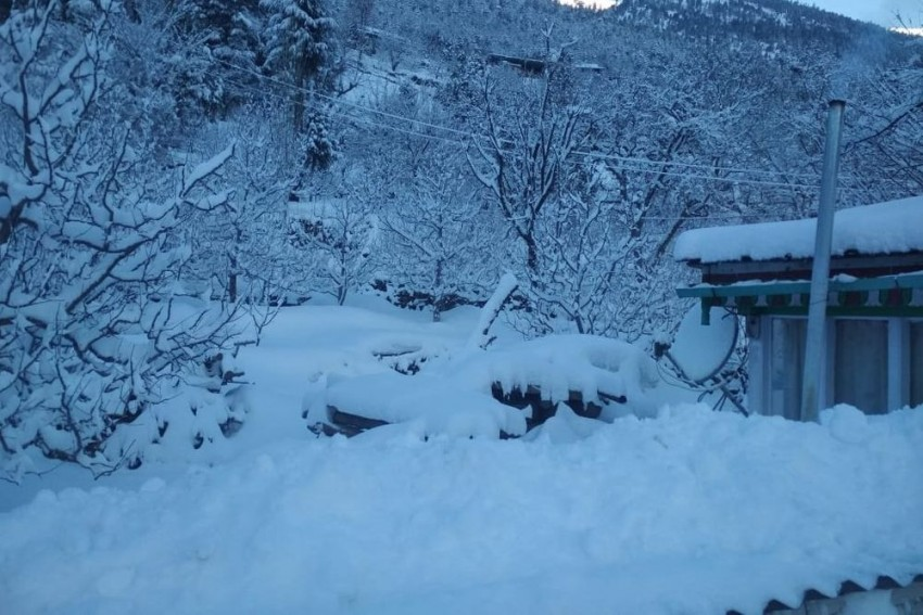 J&K: Three People Killed In Snowstorm In Kupwara District