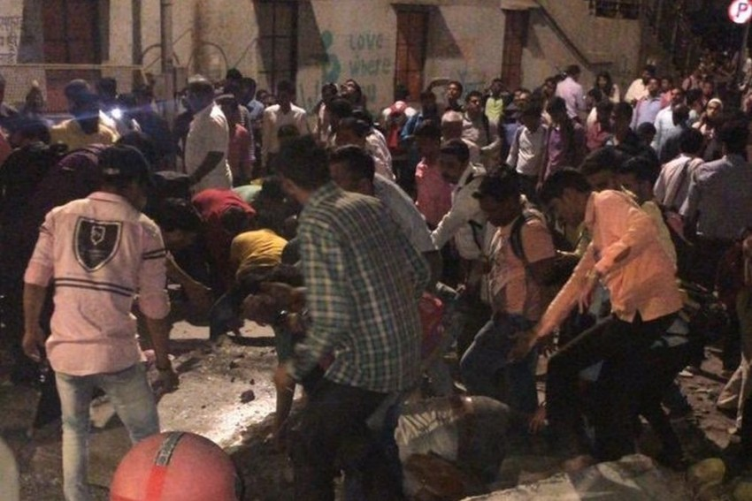6 Killed, 31 Injured As Foot Over Bridge Collapses Near CST Railway Station In Mumbai