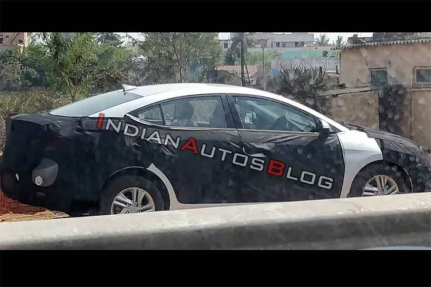 2019 Elantra Facelift Spied In India; Likely To Launch Soon