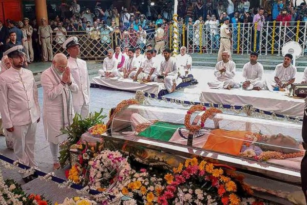PM Narendra Modi Pays Last Respects To Manohar Parrikar In Goa