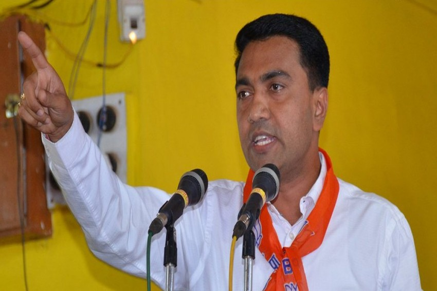 BJP's Pramod Sawant Takes Oath As Goa CM, Credits Parrikar For Bringing Him Into Politics