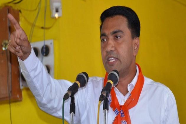 BJP's Pramod Sawant Takes Oath As Goa CM, Credits Parrikar For Bringing Him Into Politics