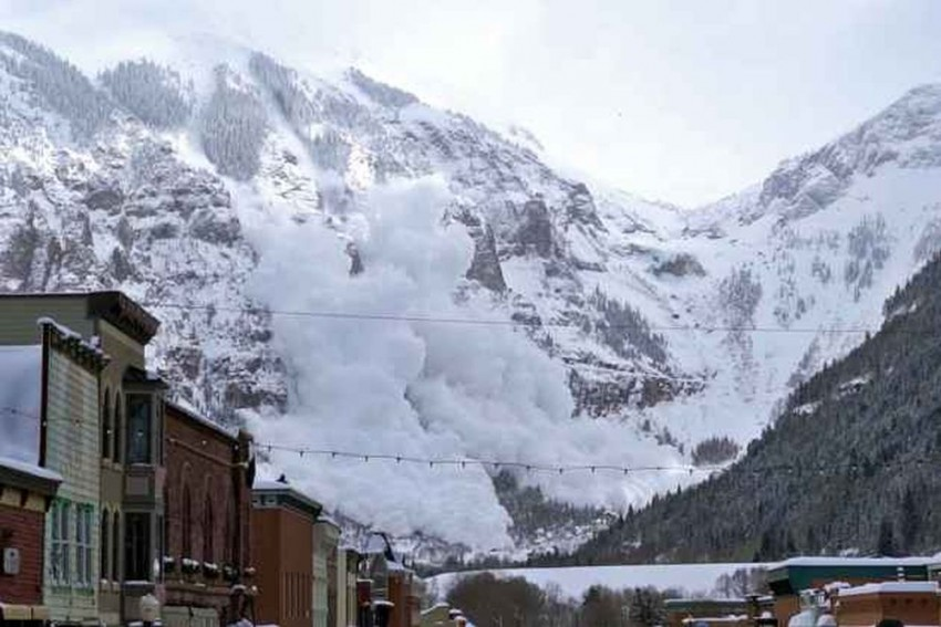 Himachal Avalanche: Another Body Of Jawan Recovered, Four Still Missing