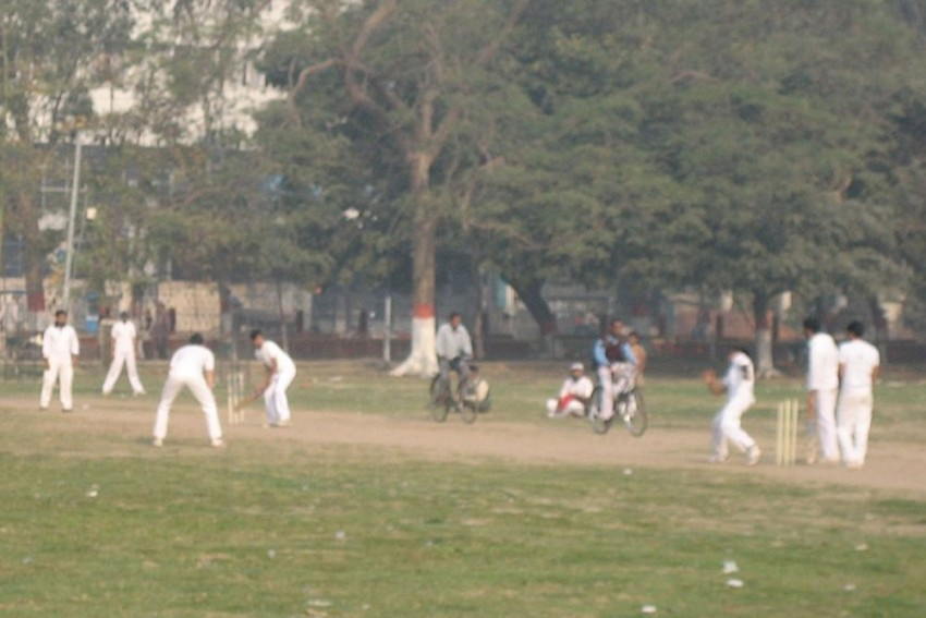 Cricketer Dies On The Field During Friendly Match In Kolkata