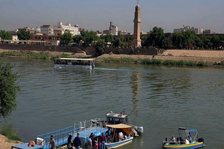 At Least 40 Dead As Overloaded Ferry Sinks In Tigris Near Mosul, Iraq