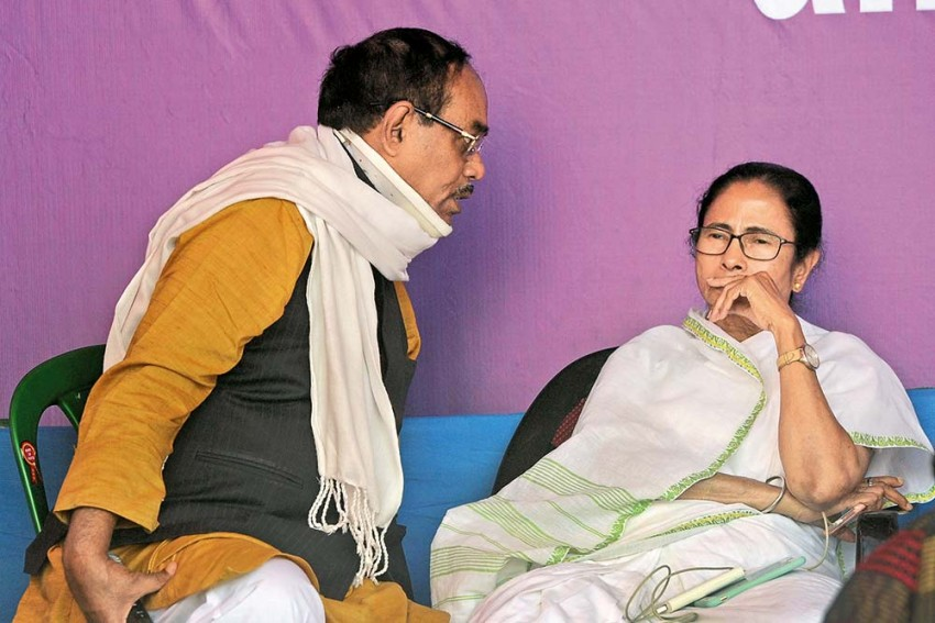 India's Chanakyas | A Wily Old Fox, Poetry And A Hot Cup Of Tea -- Mamata Banerjee's Heady Mix