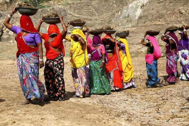 Govt Seeks EC Approval To Revise Wages Paid Under MGNREGA