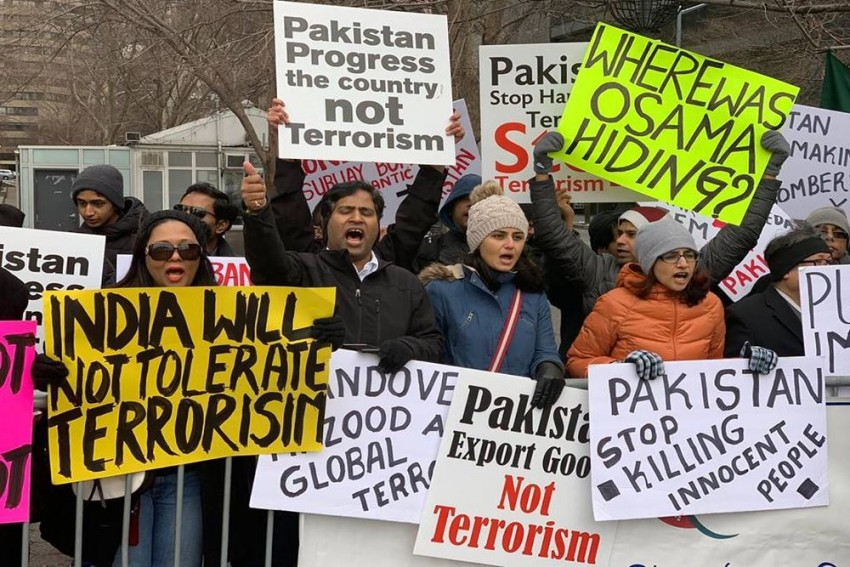 'Pakistan, Export Goods Not Terrorism: Indian-Americans Protest Outside UN Headquarters Against Pulwama Attack