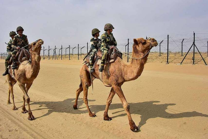 Image result for rann of kutch pakistani border images