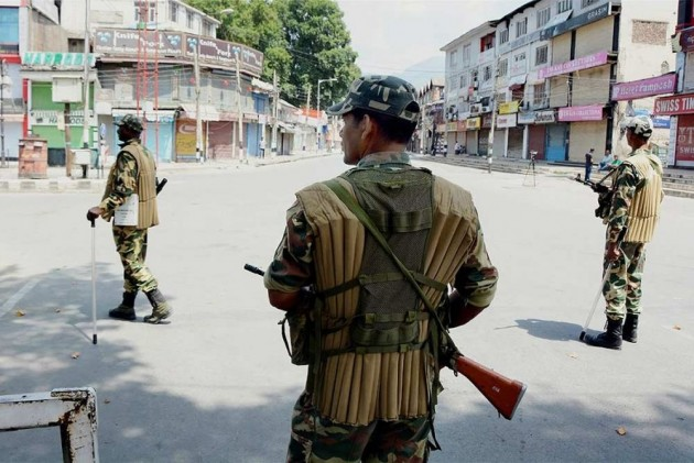 Restrictions In Srinagar As Separatists Call For Strike Against Slapping Of PSA On Yasin Malik