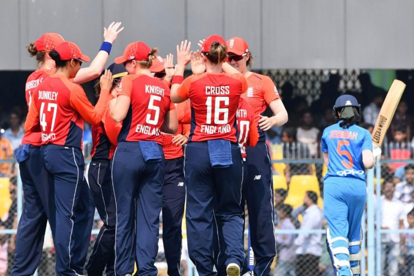 India Women Fail To Score Three Runs In Last Over, Lose By One Run; England Win T20 Series 3-0