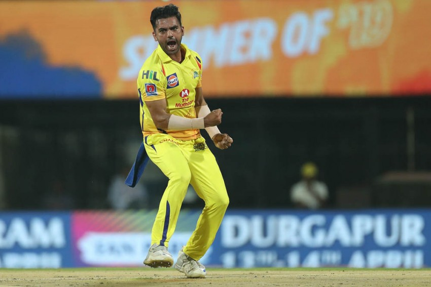 IPL 2019: Chahar Bowls 20 Dot Balls In His 4-Over Spell; Sets New Record