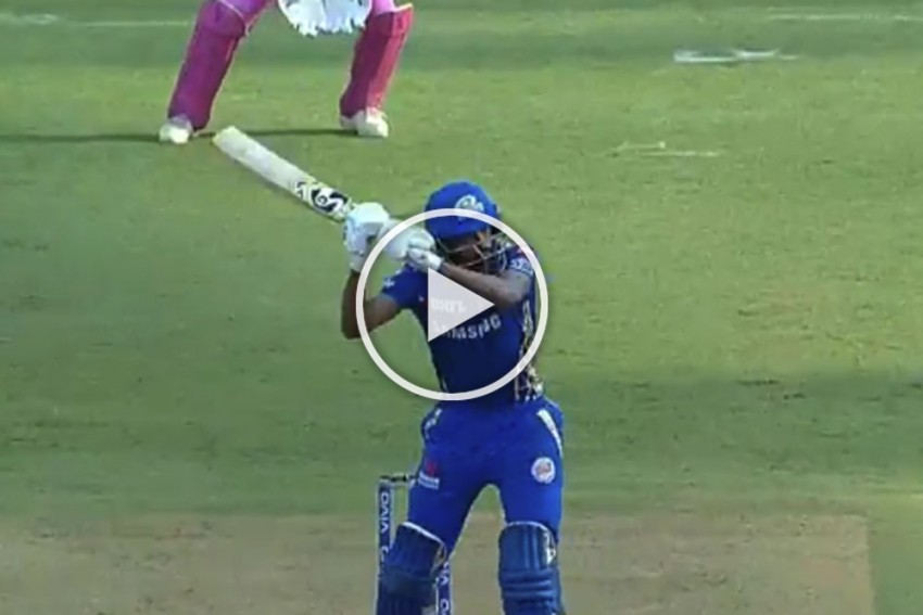 IPL 2019, MI Vs RR: Hardikopter Is Here! Hardik Pandya Challenges MS Dhoni's Ownership Of Helicopter Shot – WATCH