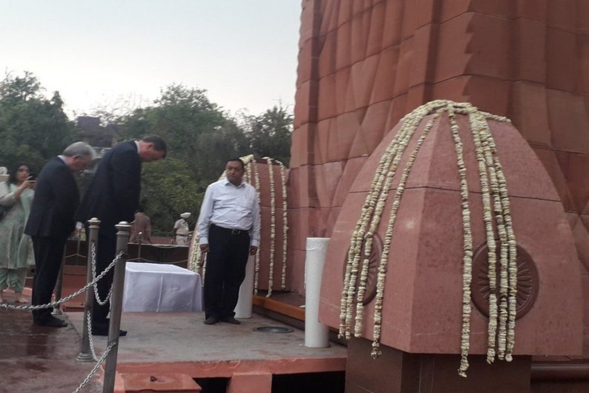 British Envoy Expresses 'Deep Regret' But Remains Non-Committal To Apology At Jallianwala