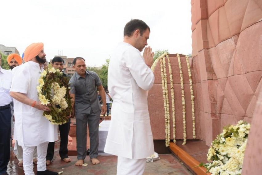 On 100th Anniversary Of Jallianwala Bagh Massacre, Rahul Gandhi, Amarinder Singh Pay Homage At Memorial