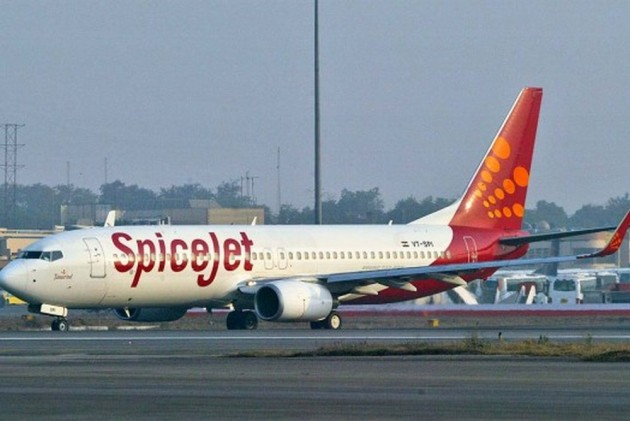 SpiceJet Hiring Jet Airways Pilots, Engineers At 30-50% Pay Cut