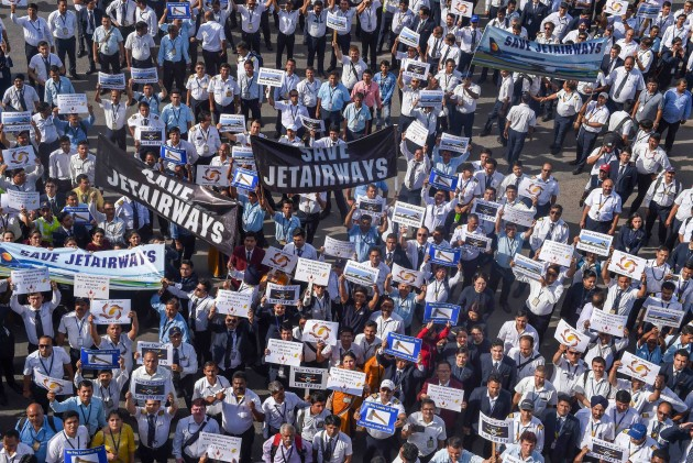 Jet Airways Pilots Urge PM Narendra Modi To Help Save 20,000 Jobs, Ask SBI For Funds