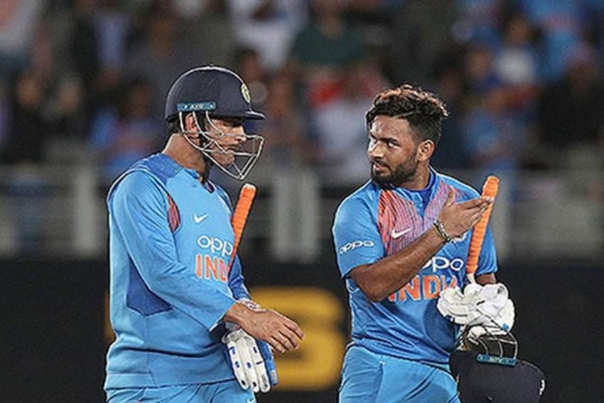 Cricket World Cup 2019: Rishabh Pant's X-Factor Fails To Impress Selectors As Veteran Dinesh Karthik Gets England Ticket