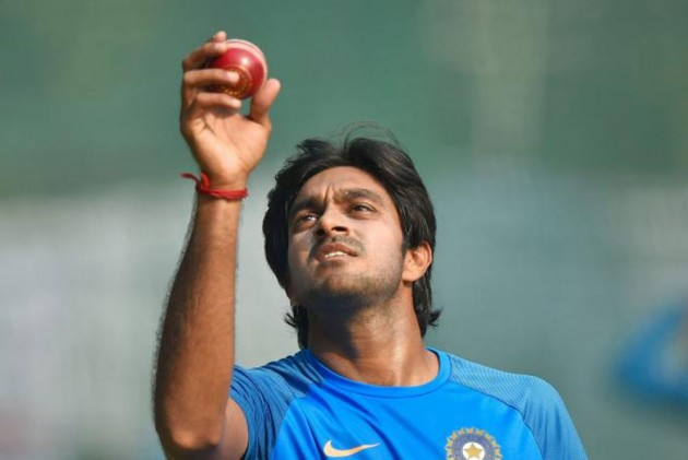 Cricket World Cup 2019: 'Multi-Dimensional' Vijay Shankar Pips Ambati Rayudu To Seal Contentious No 4 Spot