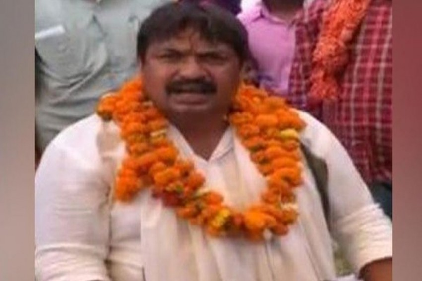 'Will Thrash You And Your Dogs With Shoes': BSP's Guddu Pandit Threatens Raj Babbar