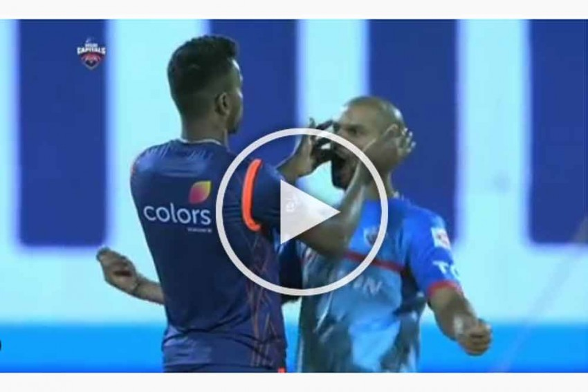IPL 2019, DC Vs MI: Watch Shikhar Dhawan, Hardik Pandya's Kotla Bromance – Video