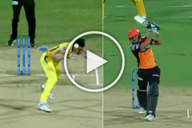 IPL 2019, CSK Vs SRH: Close Shave! Miraculous Escape For Deepak Chahar As Manish Pandey's Bullet Drive Sails Past His Head – WATCH