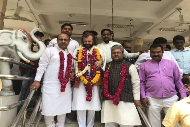 BJP Names Hans Raj Hans For North West Delhi LS Seat, Drops Udit Raj