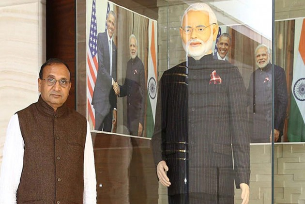 Gujarat's Diamond Merchant Who Bought PM Modi's Pinstripe Suit Duped Of Rs 1 Crore