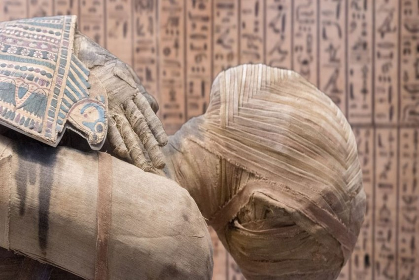 Archaeologists In Egypt Discover An Ancient Tomb With At Least 34 Mummies