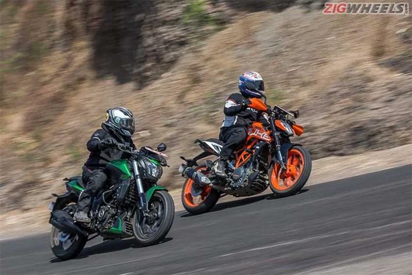 2019 Bajaj Dominar 400 vs KTM 390 Duke: Picture Gallery