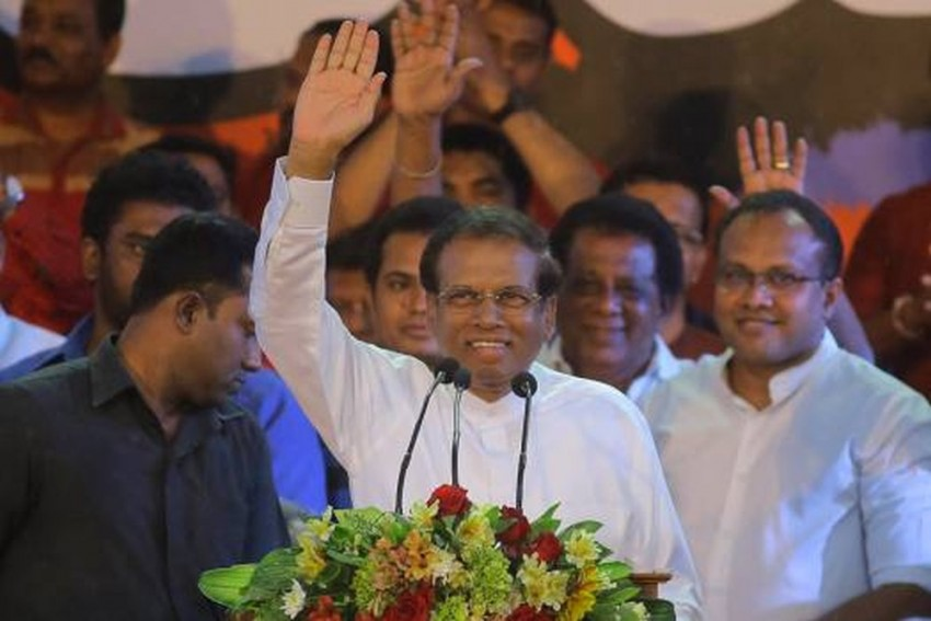 Sri Lankan President Maithripala Sirisena Assures Hoteliers Financial Aid, Reviving Tourism